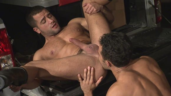 Titan Men muscle hunk with big dick David Dirdam getting fucked
