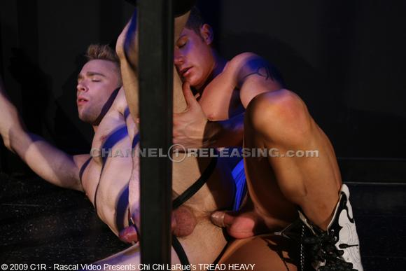 gay porn star Benjamin Bradley fucks Nelson Troy in Tread Heavy