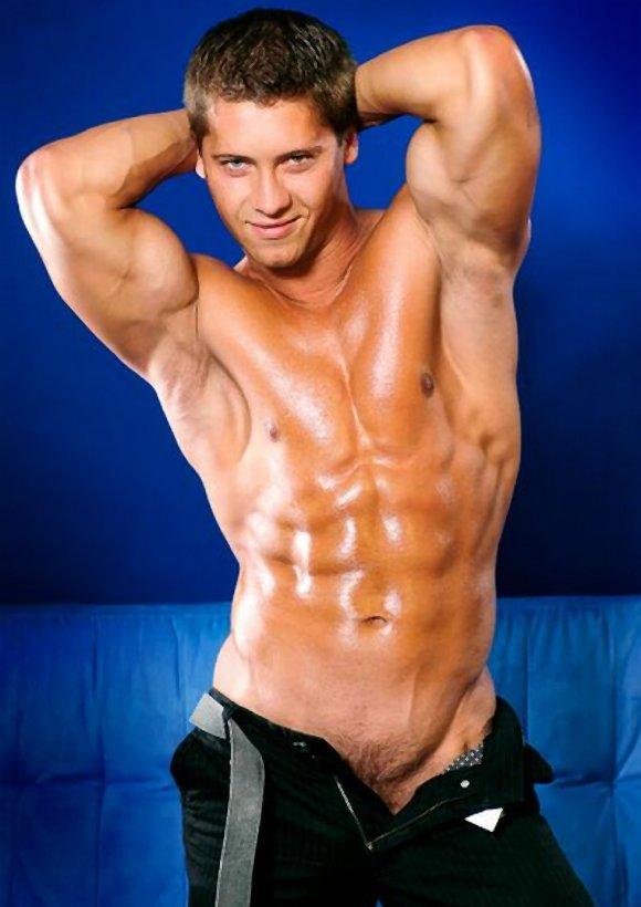 muscular Slovakian porn model JOEY INTENSO
