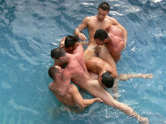 tropical nude swimming jpg 1200x900
