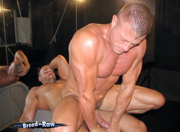 muscle daddy gay porn star Tyler Saint aka Austin Martin getting fucked Bareback by Tyler Reed