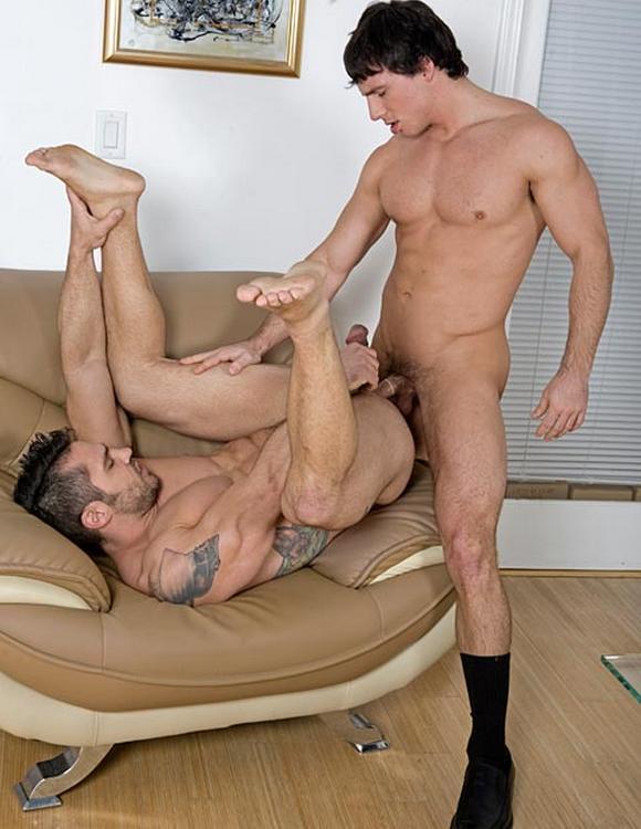 Cayden Ross porno gay