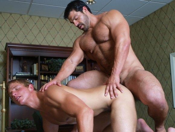 Gay Pornstar Emprie
