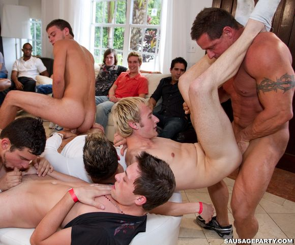 Astonishing homo scene with engulfing and nailing