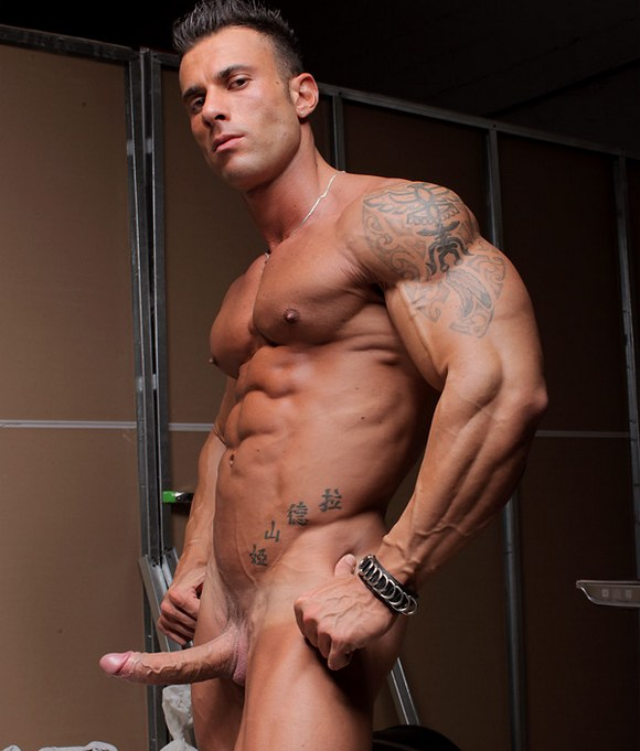 body builder gay porn sex video CassinelliMuscle.com | Muscle | Biceps | Str8 | Gay | Movies | Member.