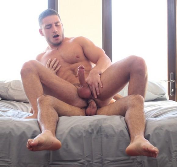 Erik rhodes bottoms