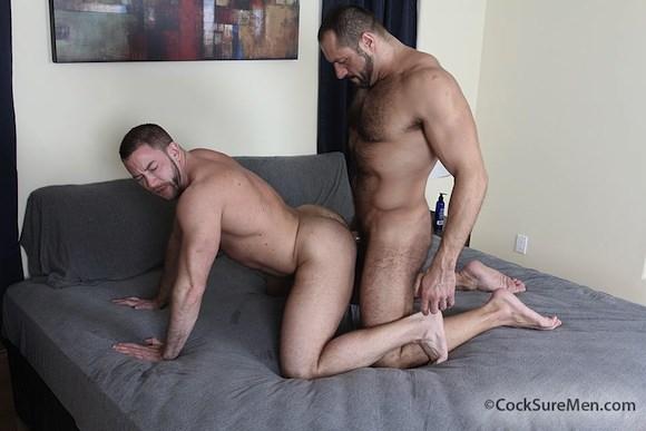 Hombres peludos follando cuchara