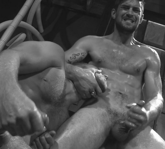 home-fuck-benjamin-godfre-sex-video-ffm-threesome