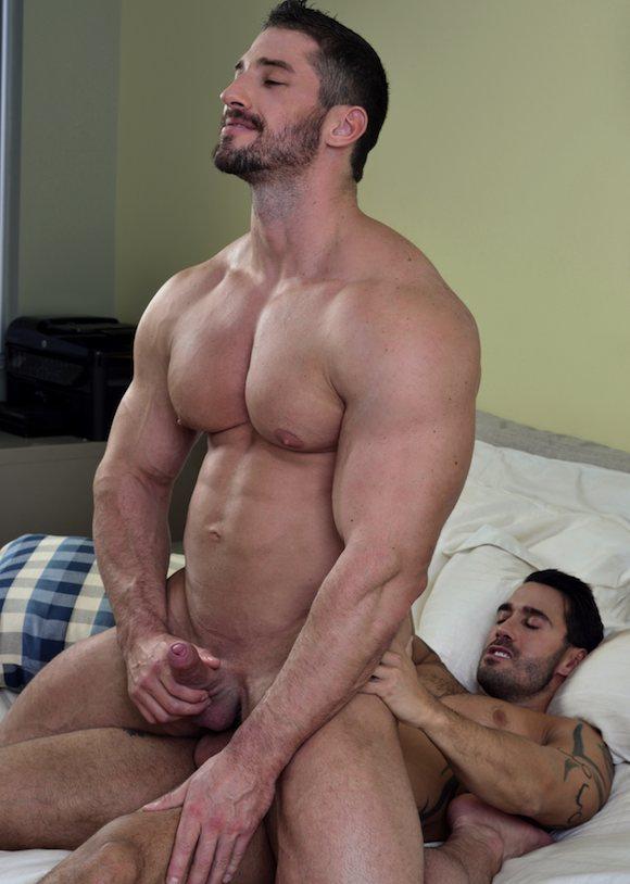 muscle man fuck wife