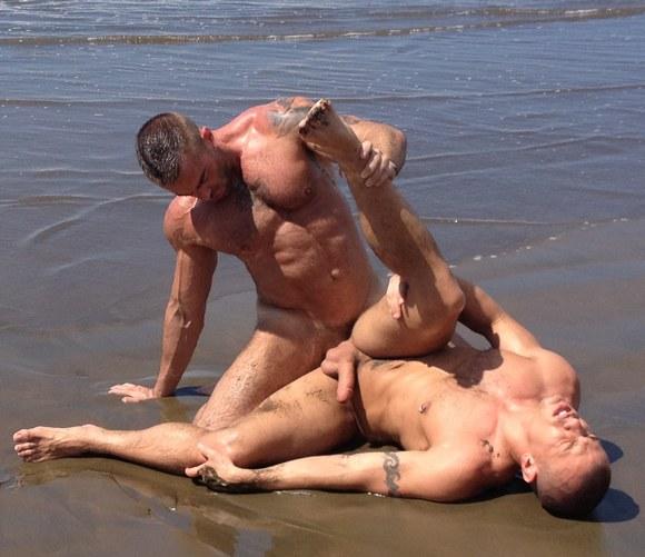 Порно Фильмы Геев На Пляже На