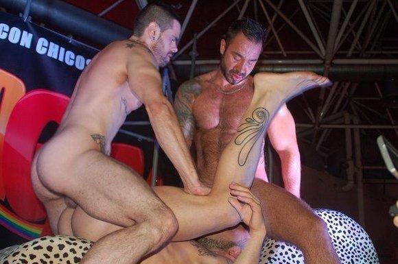Barcelona Gay Men s Chorus on Vimeo