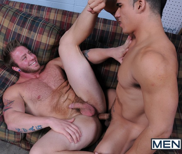 Muscle beefy gay bareback sex