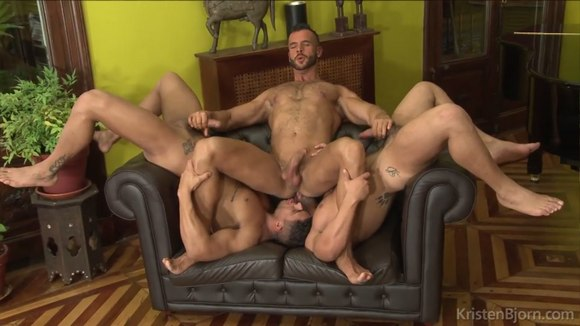 orgy positions Lesbian sex