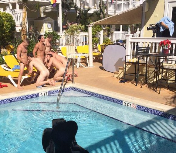 Dallas Reeves Bareback Orgy KeyWest BTS