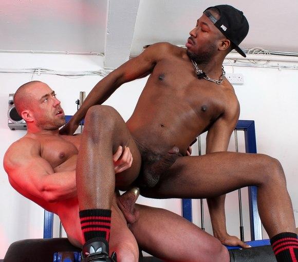 Wade Steel Fucks JP Richards Gay Porn Muscle