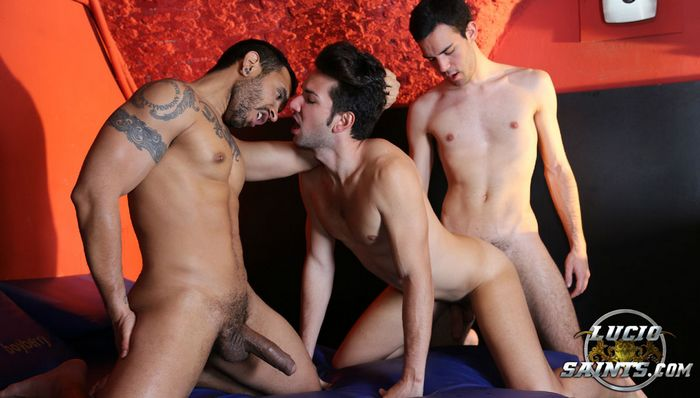 red gay rosso gay