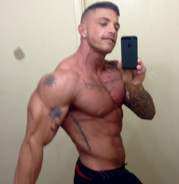 Slate Steele Gay Porn Star Muscle Shritless Selfie