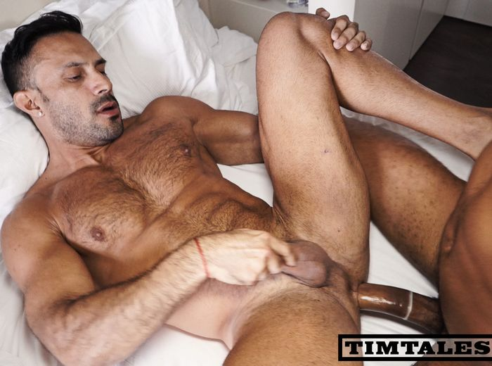 Gay hunks with huge cocks