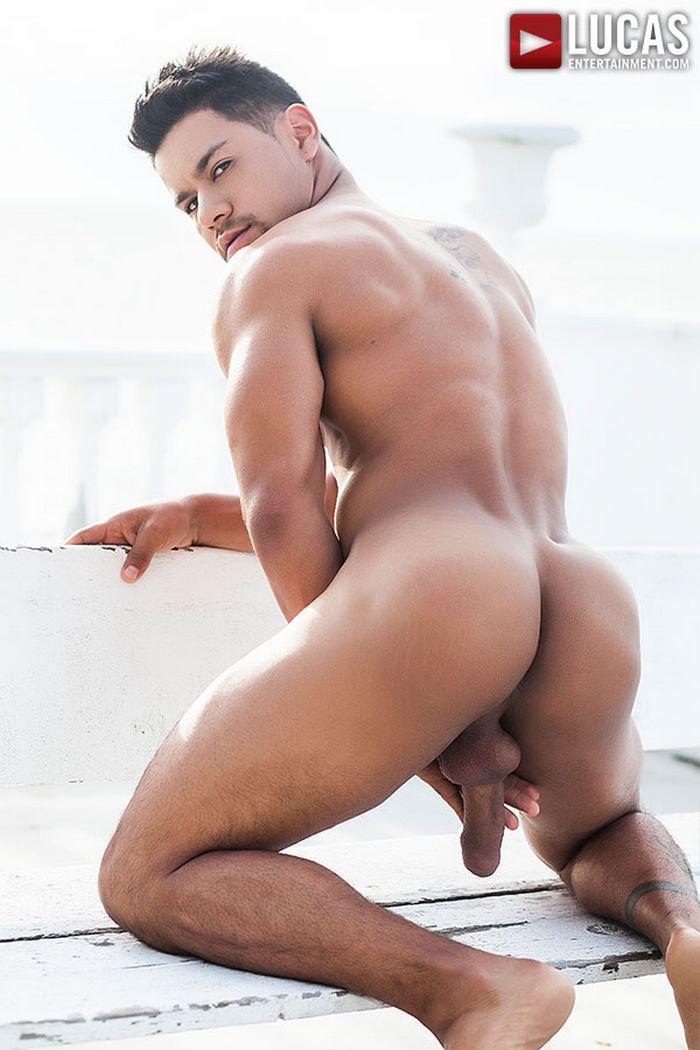Straight men have gay fantasies