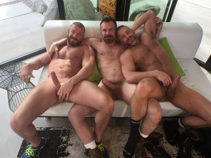 0 holds barred gay pictures