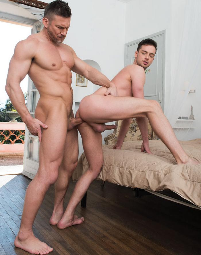 Hothouse muscular daddy austin wolf pounds tight ass 4