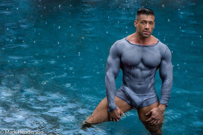 gay man meet online