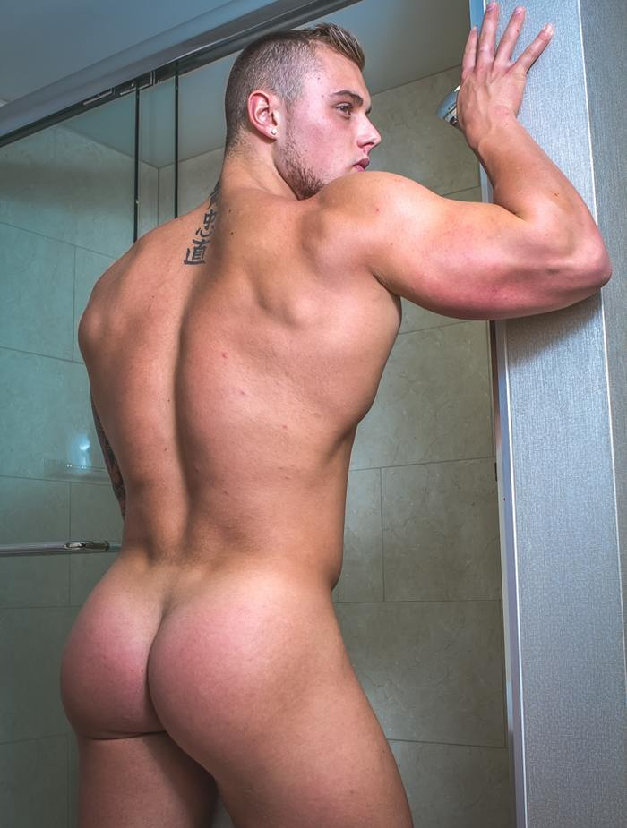 Nude Muscle Guy With A Big Hardon