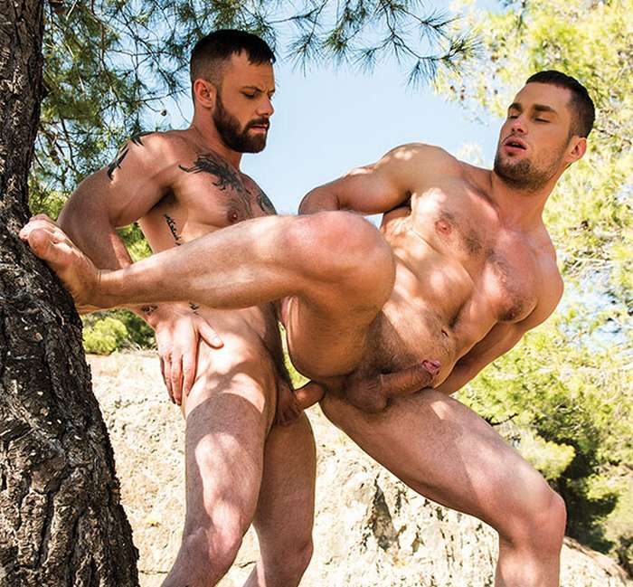 Outdoors gay muscle videos