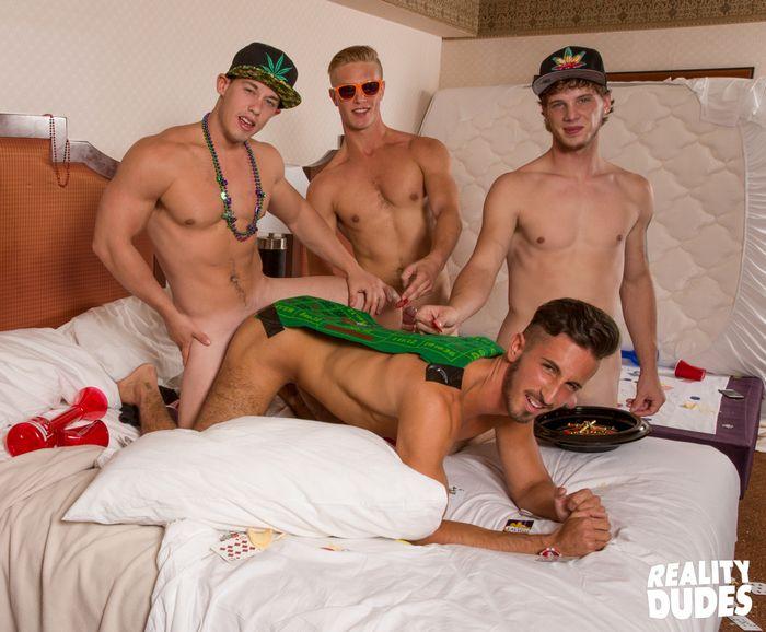 Dude Dorm Gay Porn Bareback Gang Bang Roulette