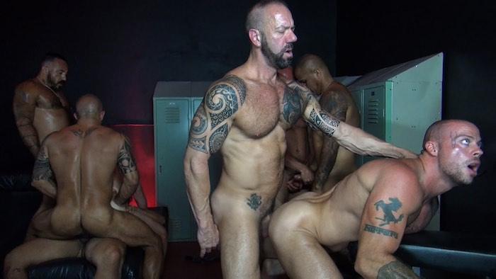 raw-fuck-club-bareback-orgy-1