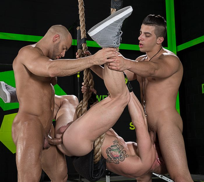 sean-zevran-johnnyv-jacob-taylor-gay-porn-muscle-fuck