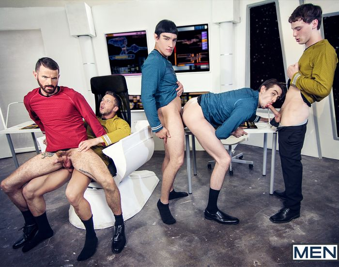 star-trek-gay-xxx-porn-parody-orgy-kirk-spock-chekov-scotty-mccoy-group-sex