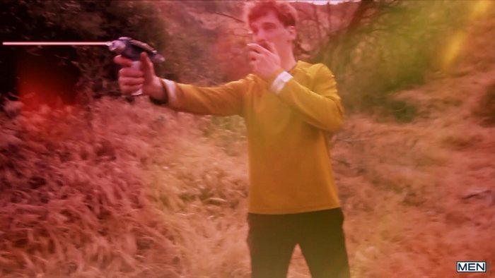 star-trek-gay-xxx-porn-parody-orgy-kirk-spock-group-sex-4