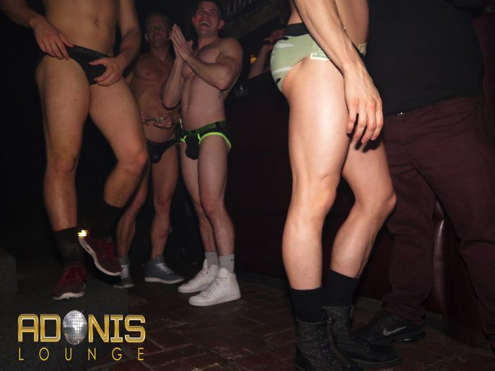 adonis-lounge-los-angeles-male-strippers-muscle-hunks-23
