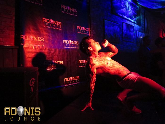 adonis-lounge-los-angeles-male-strippers-muscle-hunks-5