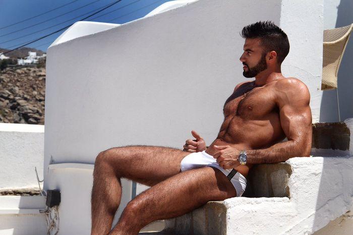 dario-owen-naked-muscle-hunk-male-escort-4