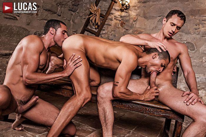ibrahim-moreno-alex-kof-javi-velaro-gay-porn-1