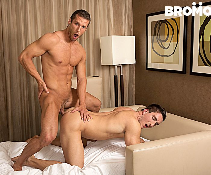 victor-powers-gay-porn-rod-peterson-bareback-sex-muscle-bottom