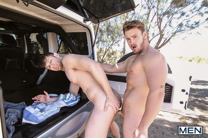 trevor-long-fucks-jacob-peterson-gay-porn-1