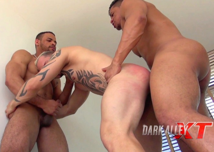 Douglas Lago Miguel Gay Porn Bareback Sex DarkAlley XT