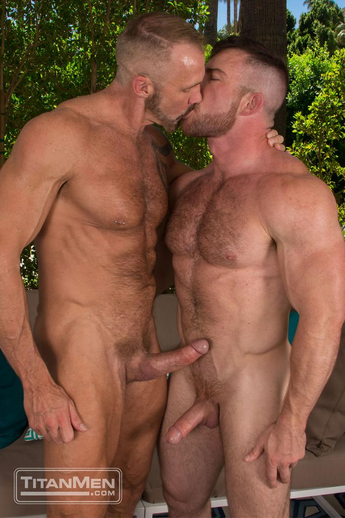 Gay muscle kissing men fuck movie luke