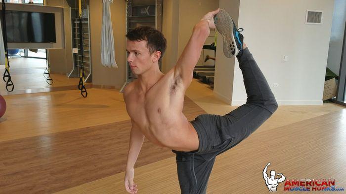 Logan Cross Gay Porn Star Helix Twink American Muscle Hunks