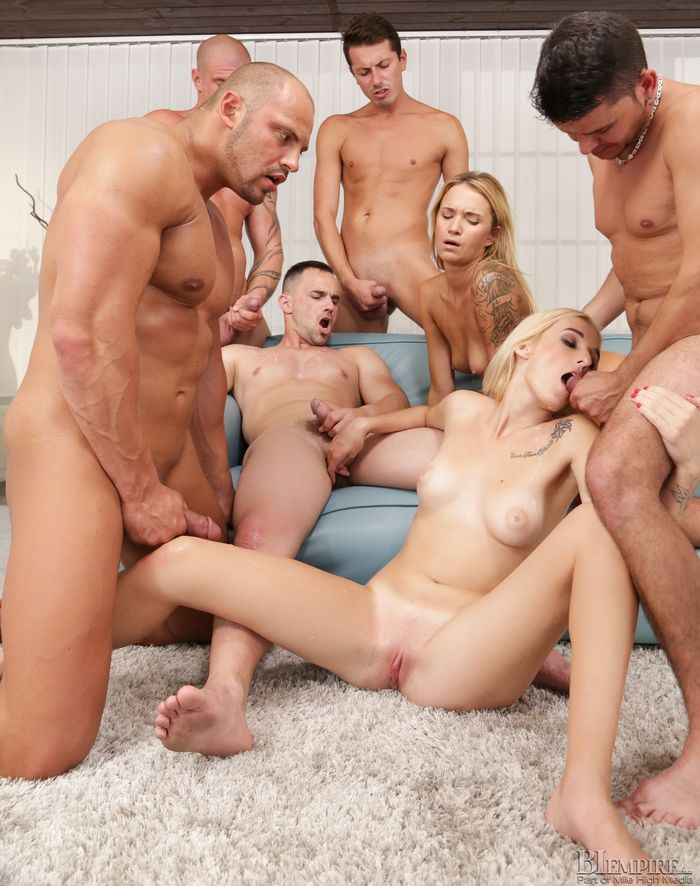 Muscle Hunk Bisexual Porn Orgy