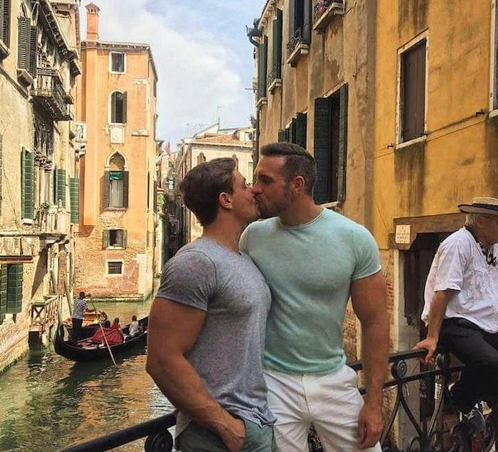 Alex Mecum Carter Dane Gay Porn Couple Kiss