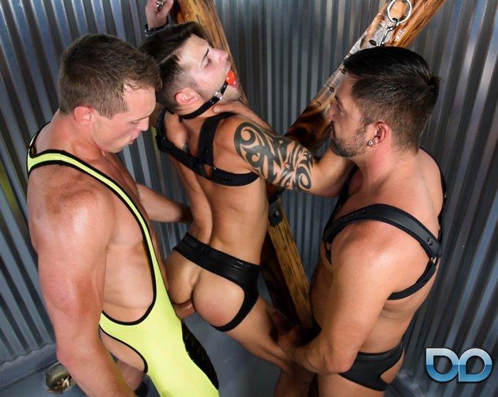Gay bareback paris