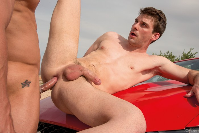 Dustin Holloway Gay Porn Skyy Knox ROUTE69