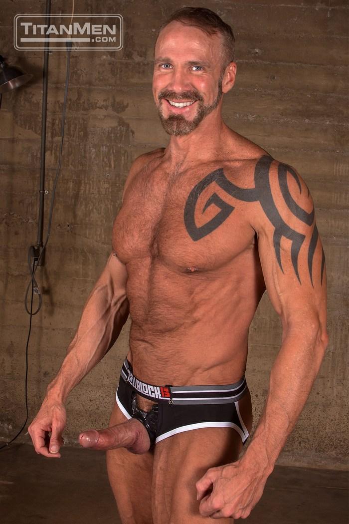 from Joe utah county gay men online now