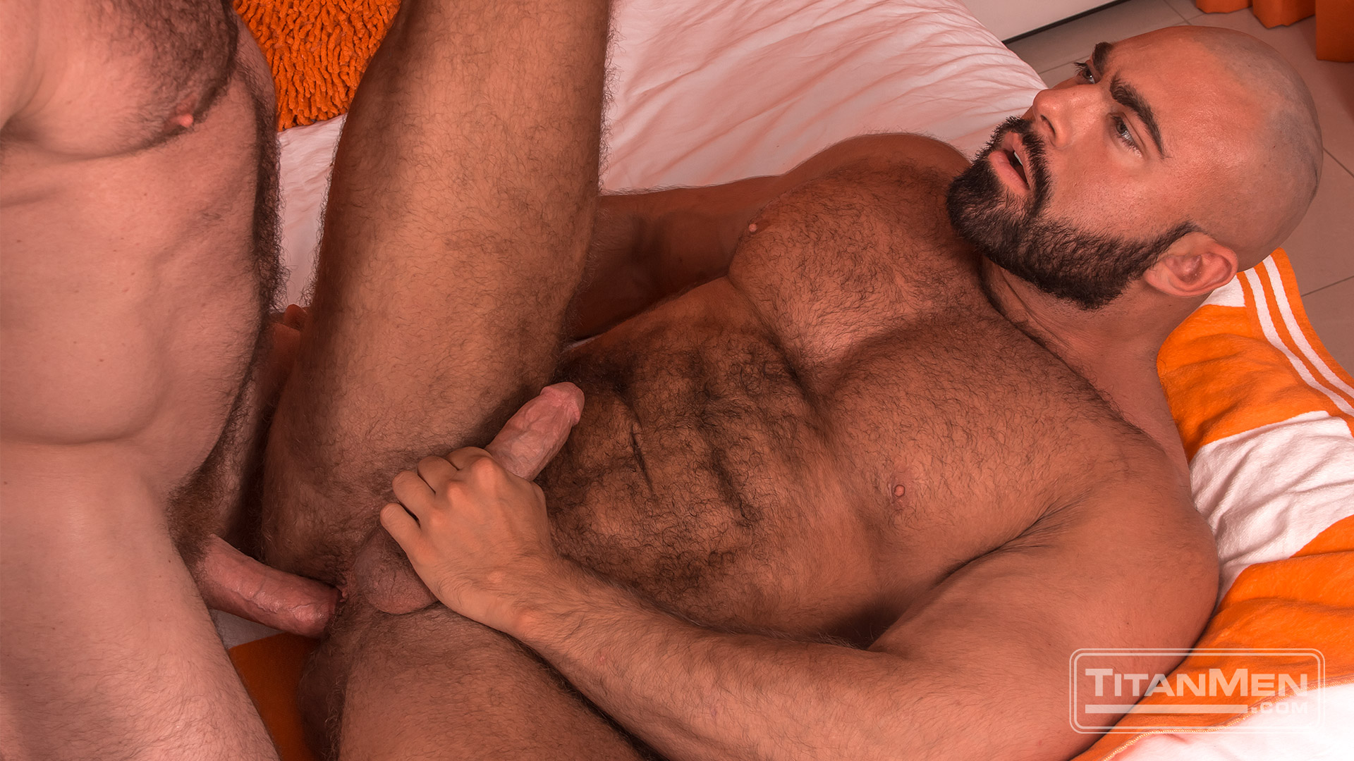 Muscle Bottom Porn hot new muscle bottom steve roman gets his hairy butt fucked