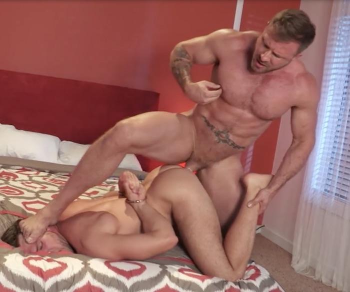 Guarda beach sex with FullTimePapi: su il miglior sito di porno hardcore.
