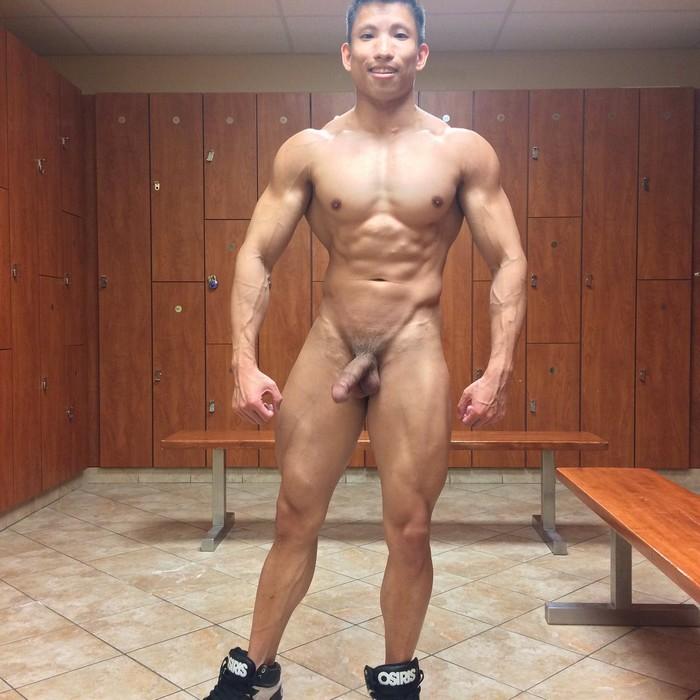 Muscle hunks poke n engulf